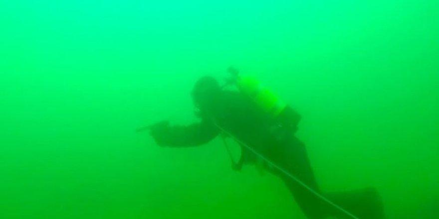 Nükleer denizaltıları gizleyerek üsten tahliye ettiler