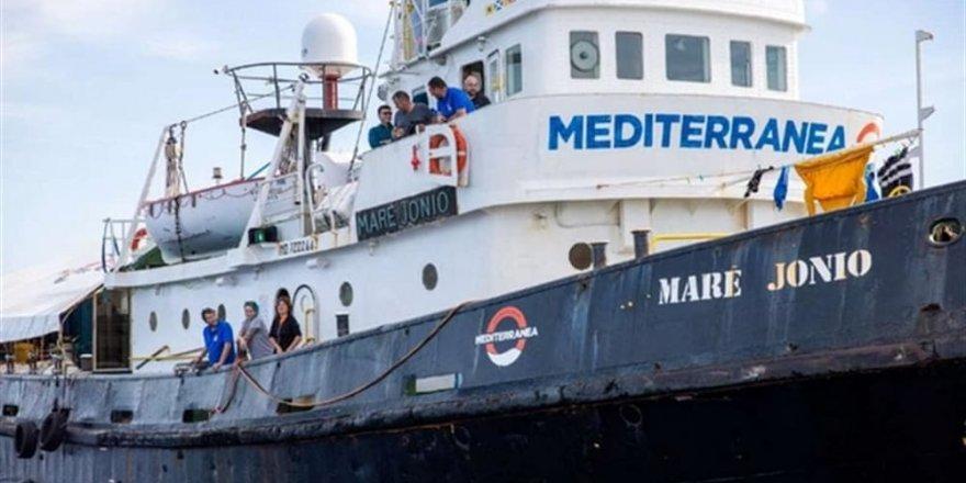 Akdeniz'de yaklaşık 100 göçmen kurtarıldı