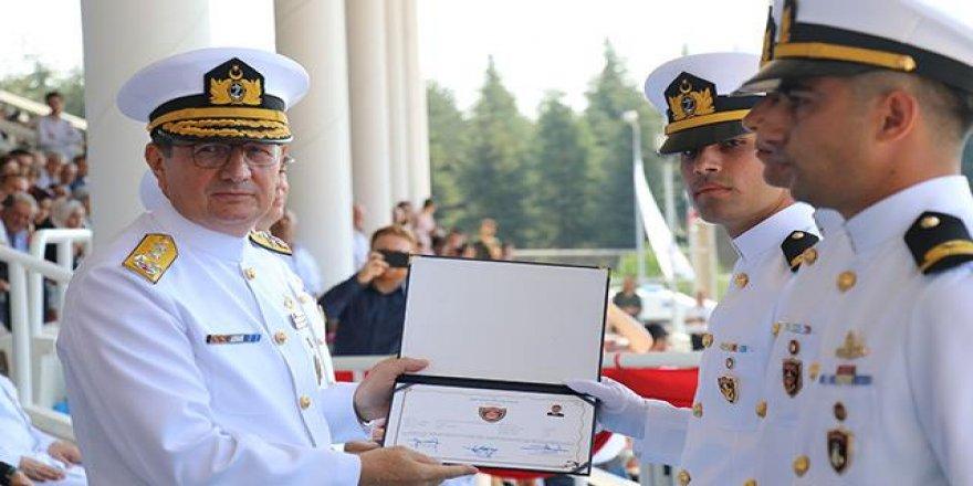 Donanmanın en genç subayları mezun oldu