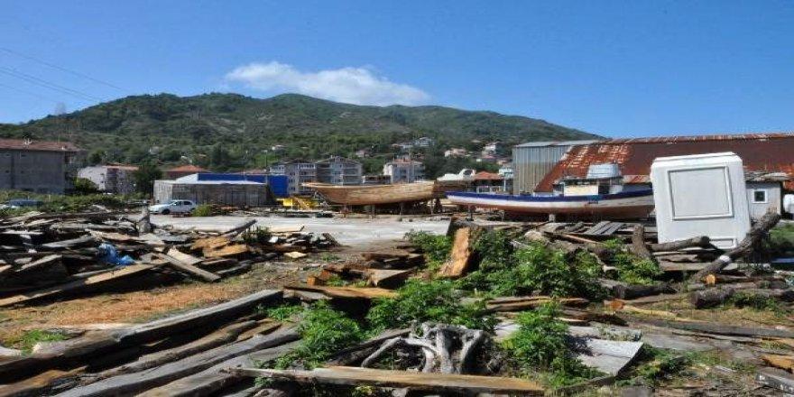 Kurucaşile'de barakalarda tekne yapılıyor