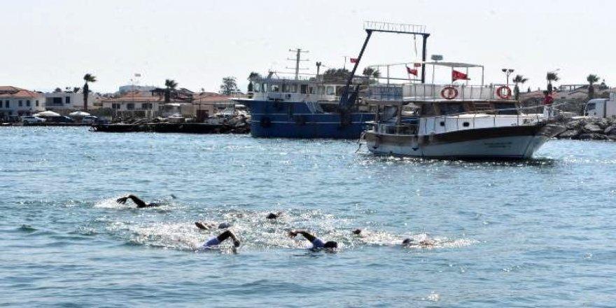 Çocuk istismarına dikkat çekmek için yüzecekler