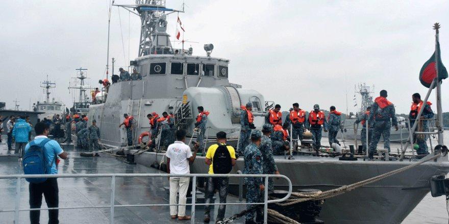 Bangladeş'te kargo gemisi battı, 152 konteyner kayıp