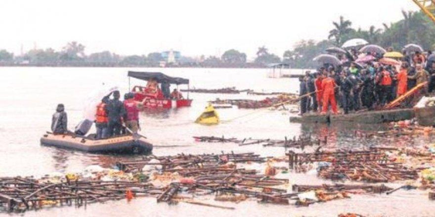 Kongo'da tekne battı: 36 kayıp