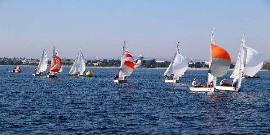 EUROSAF Avrupa Pirat Şampiyonası Kocaeli'nin Darıca ilçesinde başladı.