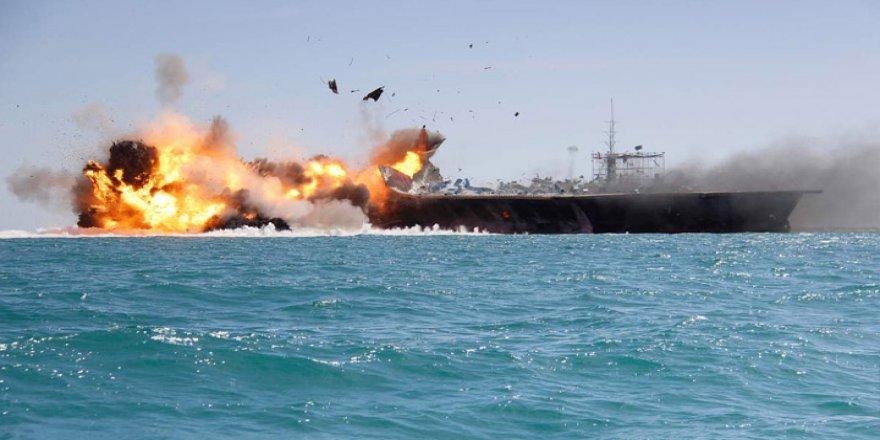 Husilere ait bomba yüklü gemi imha edildi