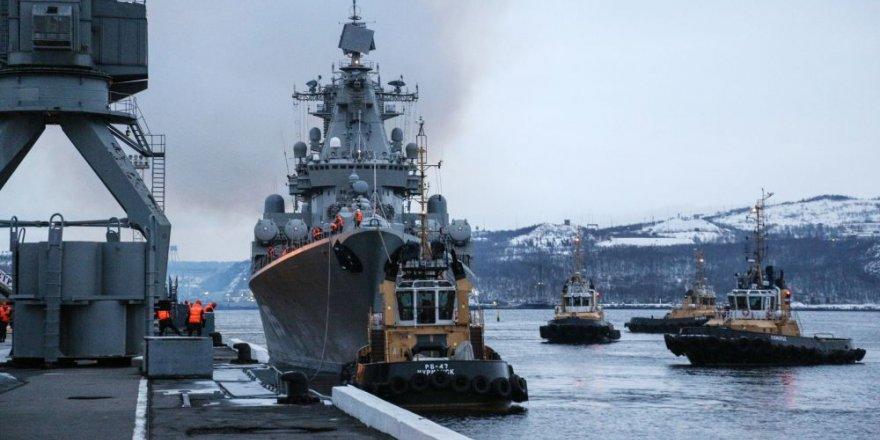 Mareşal Ustinov, Aksaz Donanma Üssü'ne demirledi
