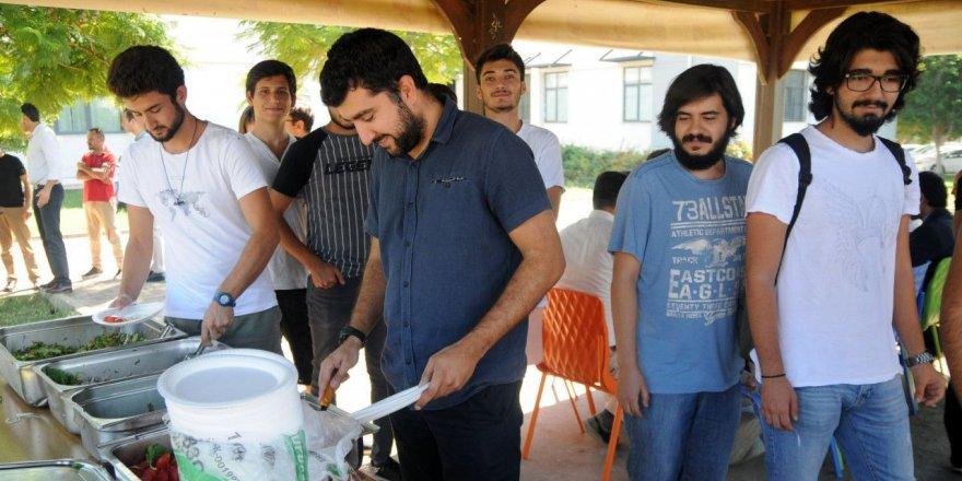 Su Ürünleri Fakültesi'nde balık ekmekli açılış