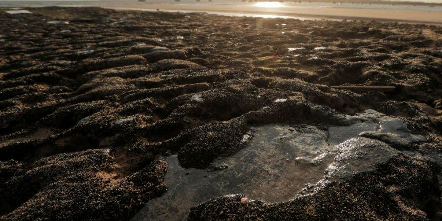 Brezilya sahilleri petrole bulandı