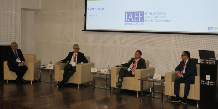 """""""Hazar ve Orta Asya Enerji Kaynakları"""" Konferansı"""