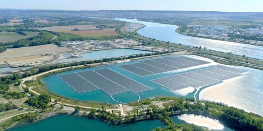 Avrupa'nın en büyük yüzer santrali hizmette
