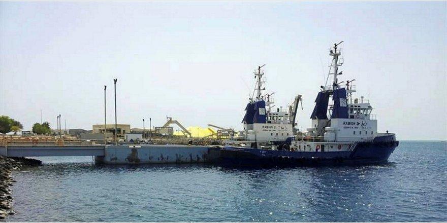 Husiler biri Suudilere ait 3 gemiye el koydu!
