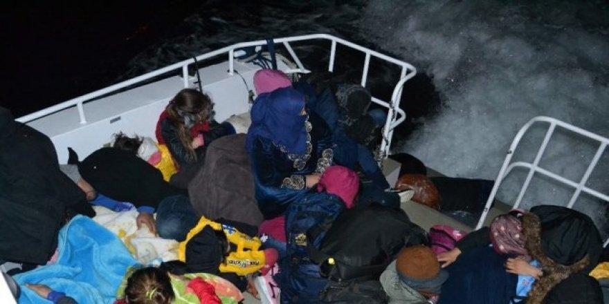 Kuşadası'nda 68 düzensiz göçmen yakalandı