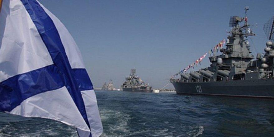 Rusya Kırım'a 9 gemi daha konuşlandırdı