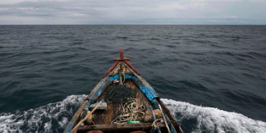 Rusya, Japon balıkçı teknelerine el koydu
