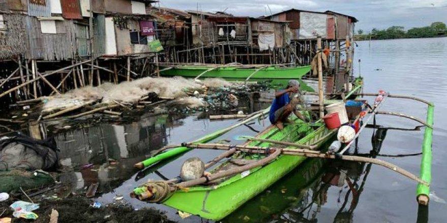 Phanfone Tayfunu Filipinler'i tarumar etti