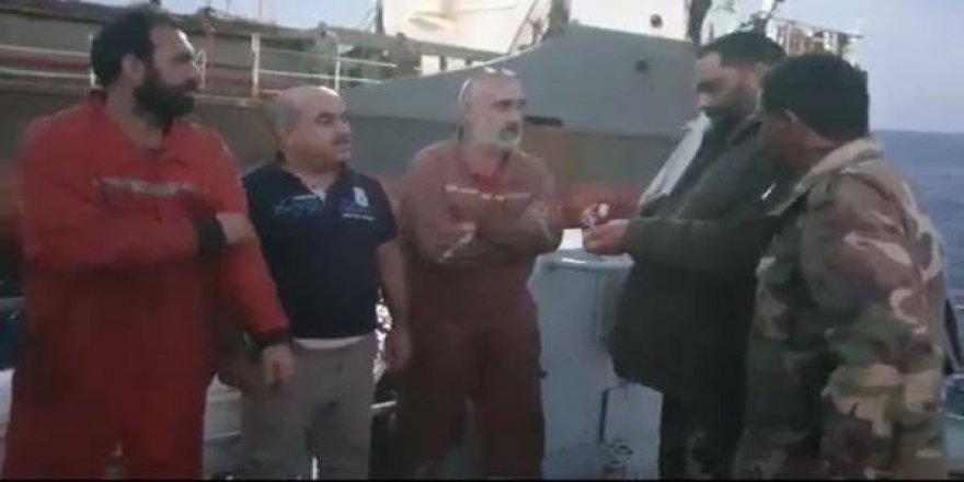 Sadece Türk denizcileri gözaltına aldılar