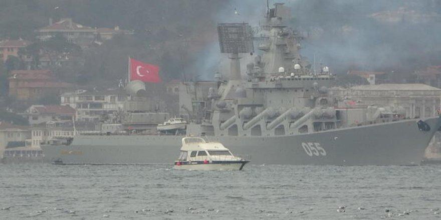 Rus Donanmasına ait gemi Moda açıklarına demir attı