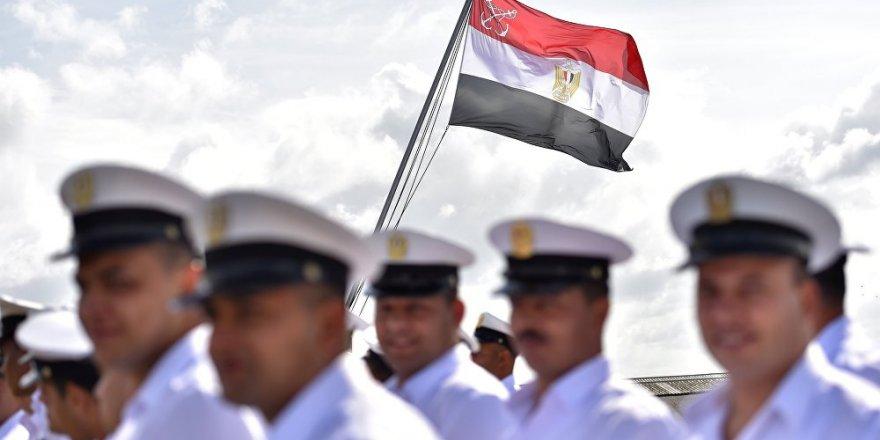 Mısır'dan Akdeniz'de tatbikat
