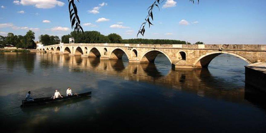 Meriç'in suyu çekildi asırlık köprünün ayakları ortaya çıktı