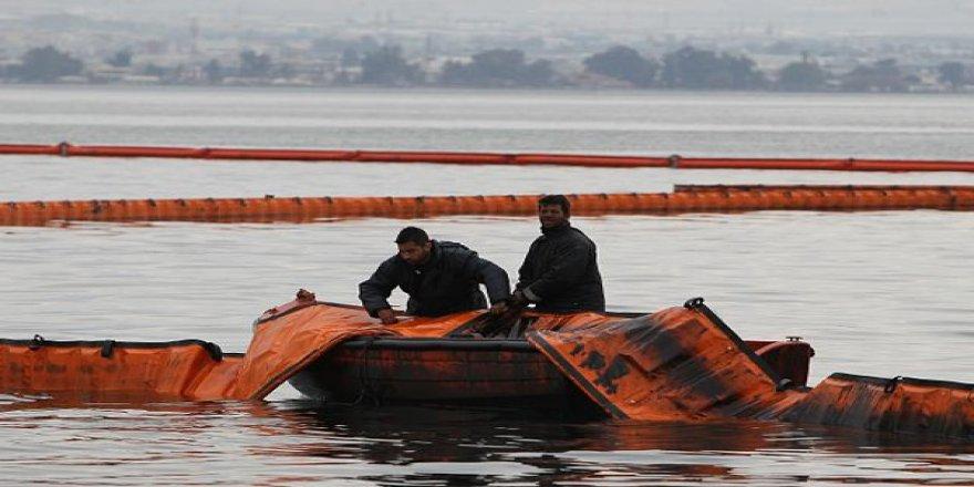 Yunanistan'dan göçmenlere deniz bariyeri