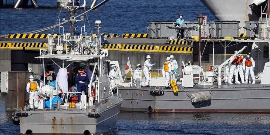 Karantinaya alınan gemide 10 kişide koronovirüsü tespit edildi