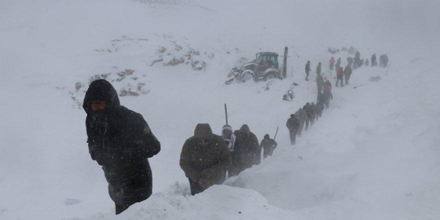 İkinci çığ felaketinde 33 kişi hayatını kaybetti, 53 kişi  yaralandı