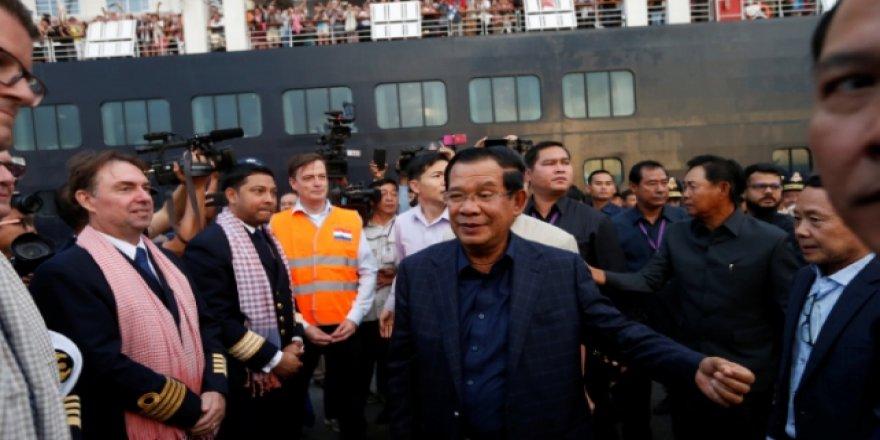 Kamboçya'nın kabul ettiği gemide koronavirüs tespit edildi