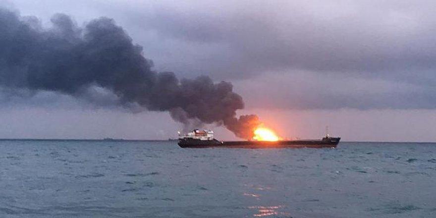 Yük gemisinde yangın!