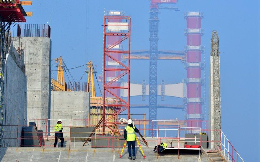 Kırmızı beyaz kulelerin yüzde 50'si tamamlandı