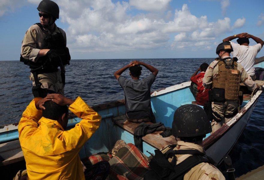 Gine Körfezi'nde 33 korsan yakalandı