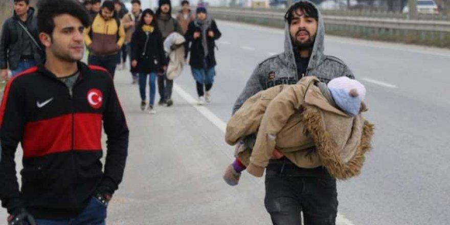 Türkiye Kapıları Açtı, Sınırlardan Mülteci Akını Başladı