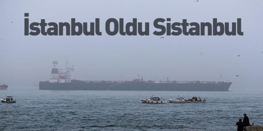 İstanbul'da Sis Hakim Oldu