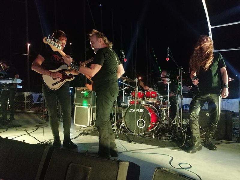 Teos Marina'da Deniz Üstünde Konser