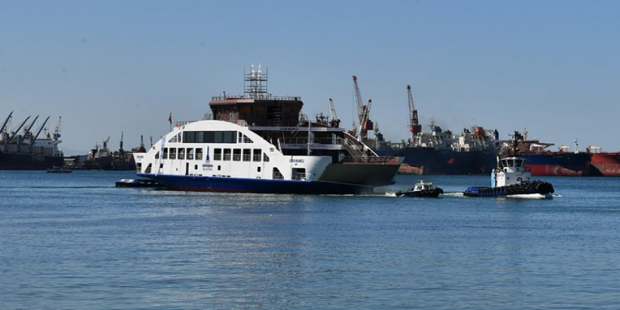 Uğur Mumcu Feribotu Törenle Denize İndirildi