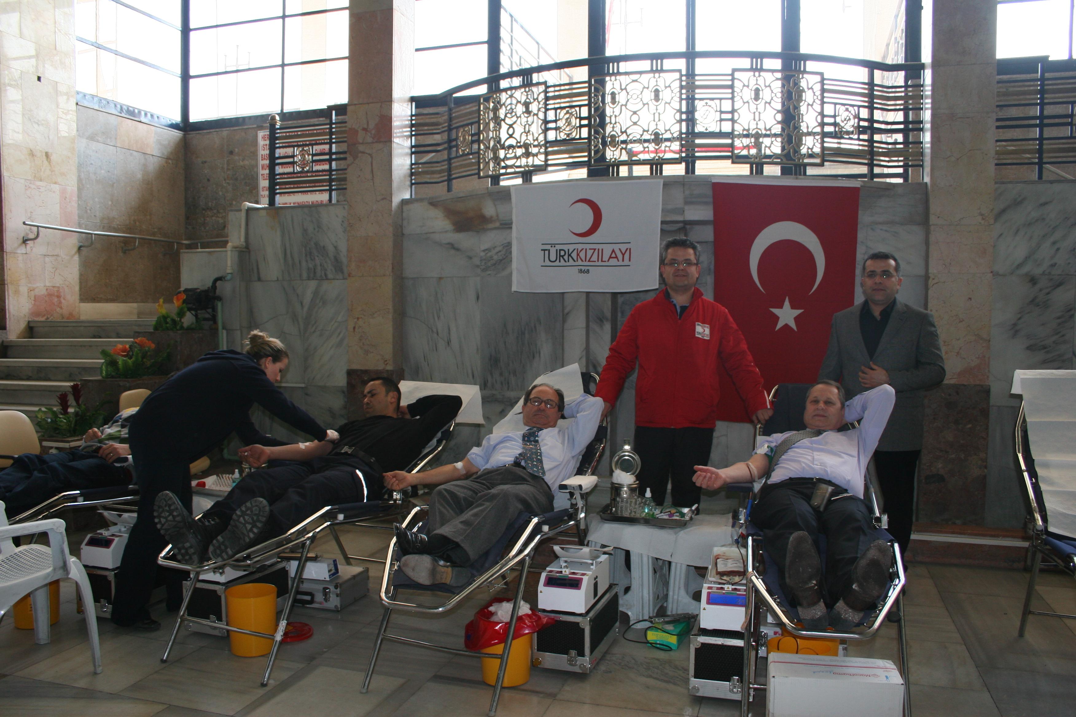 Karaköy Limanı kan bağışladı