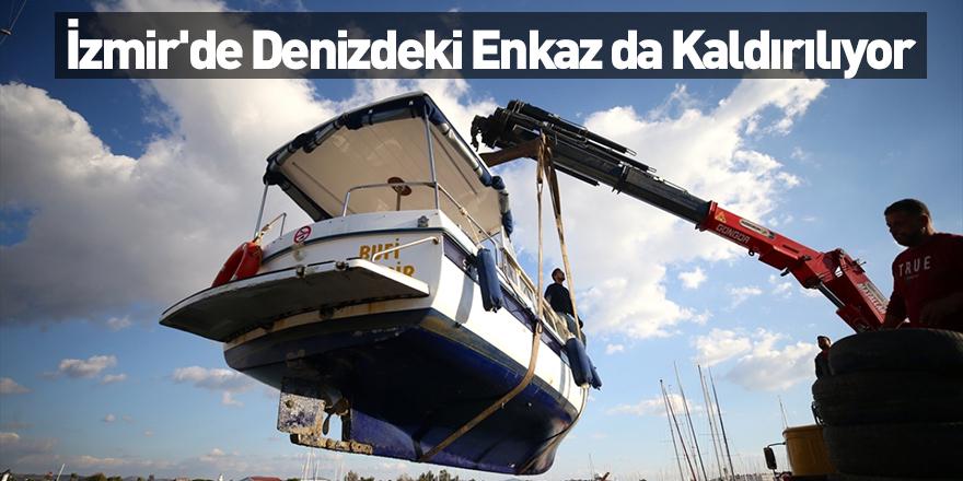 İzmir'de Denizdeki Enkaz da Kaldırılıyor