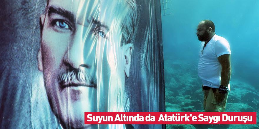 Suyun Altında Atatürk'e Saygı Duruşu