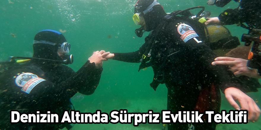Denizin Altında Sürpriz Evlilik Teklifi