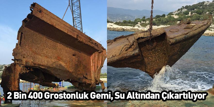 2 Bin 400 Grostonluk Gemi, Su Altından Çıkartılıyor