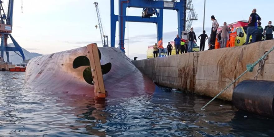 Nazmiye Ana isimli gemi, Castellon Limanı'nda alabora oldu