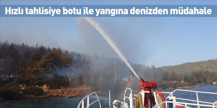 Hızlı tahlisiye botu ile yangına denizden müdahale