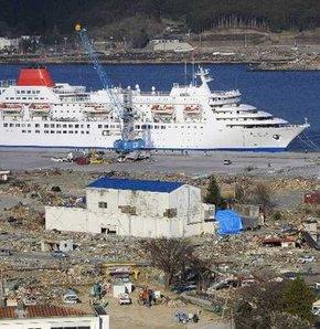 Lüks gemi kapılarını depremzedelere açtı