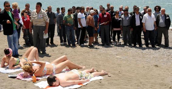 Plajda esnaf eylemi