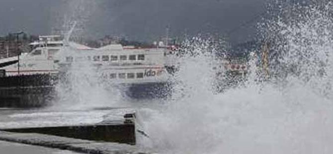 Hava koşulları deniz ulaşımını olumsuz etkiledi