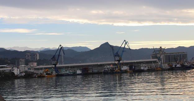 Hopa Limanı'nda ÖTV'siz ve KDV'siz yakıt satışı başladı