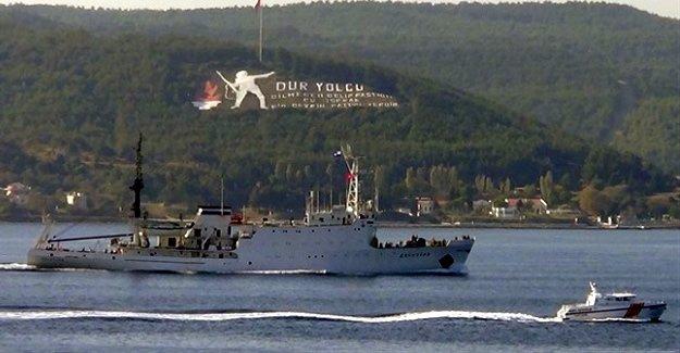 Rus gemileri Boğazlar'dan sorunsuz geçiyor