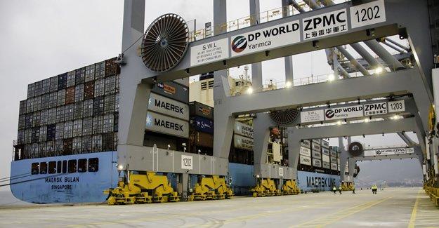 DP World Yarımca Limanı'na ilk gemi yanaştı