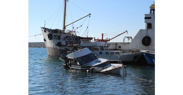 Çanakkale'de balıkçı teknesi battı