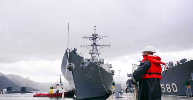 O savaş gemisi Marmaris'e demirledi