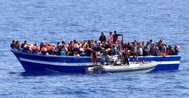 Yunanistan'a günde 1500 göçmen ulaşıyor
